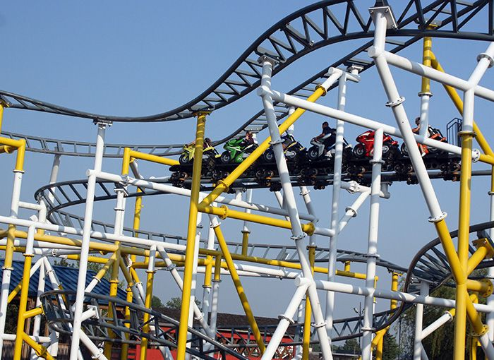 five forces theme park industry Discover all statistics and data on amusement and theme parks now the idea of the theme park which has since become a from the industry theme.