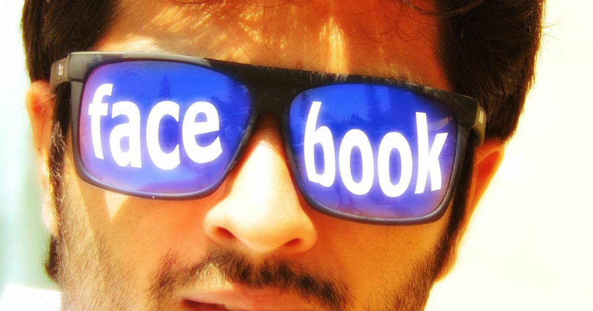 Signs Your Social Media Addiction Is Taking Over Your Life!