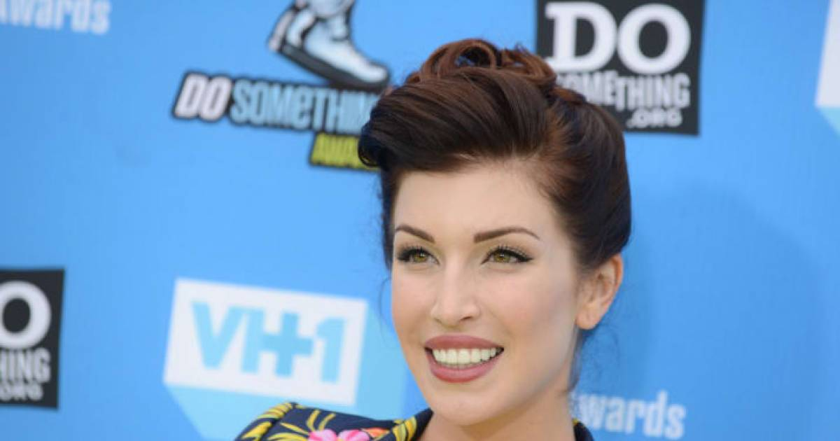 Youtube Star Stevie Ryan Commits Suicide At The Age Of 33
