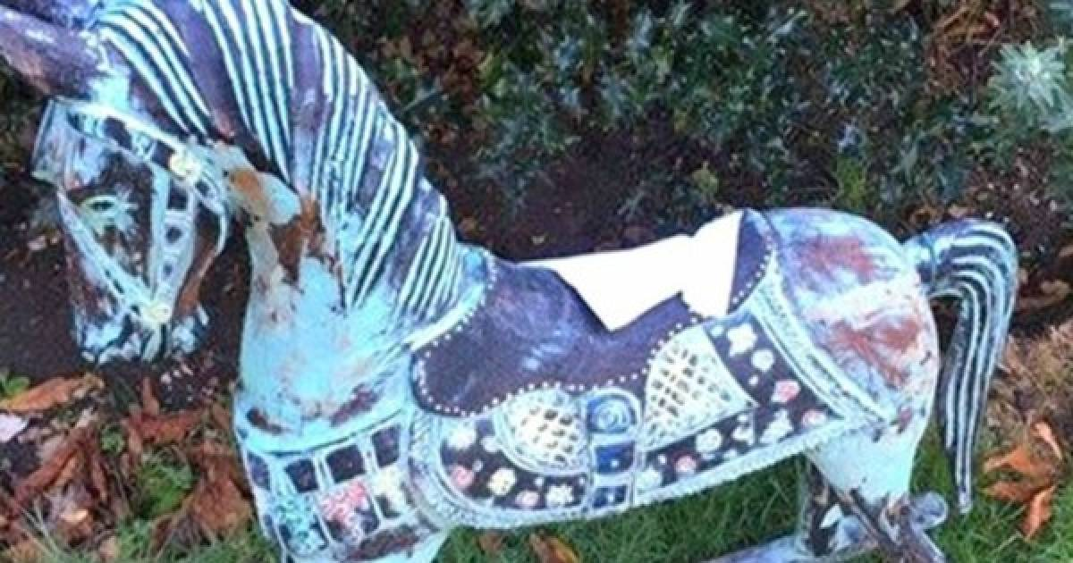 Super Creepy Rocking Horse Found In A Woman's Yard With An Eerie Note Attached To It
