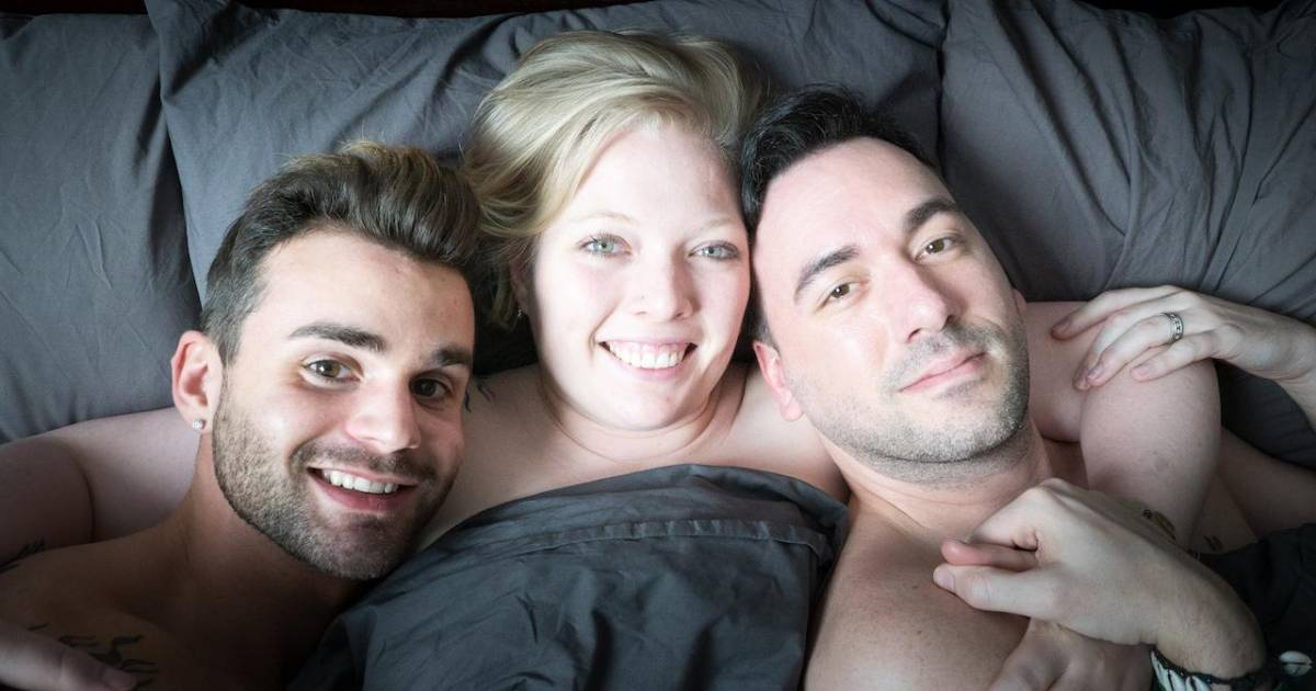 """These People Are Living As A """"Throuple"""" And We Don't Know What To Think"""