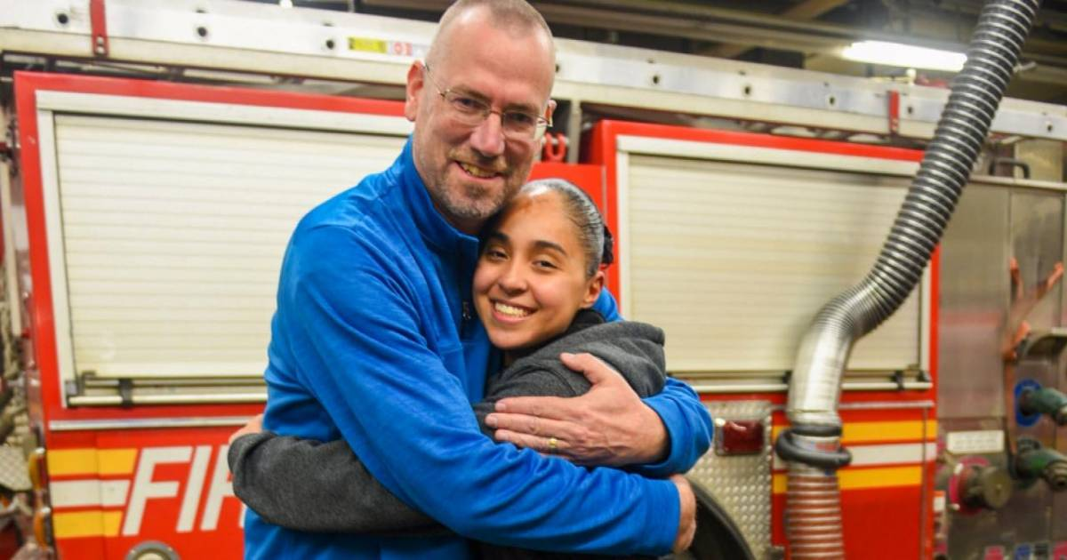 Firefighter Reunites With The Lieutenant Who Saved Her When She Was 6