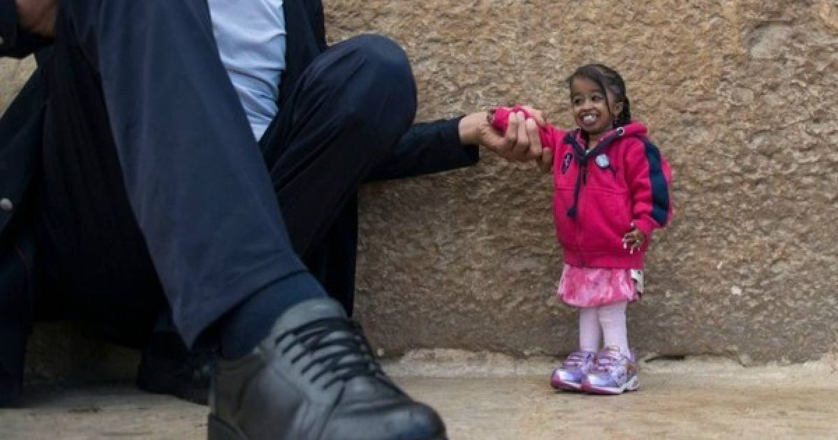 The World's Tallest Man And The World's Smallest Woman Get Together For An Epic Photoshoot