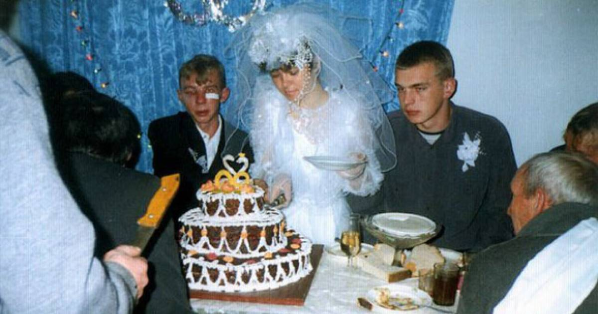 Crazy Wedding Photos That Are Far From Normal