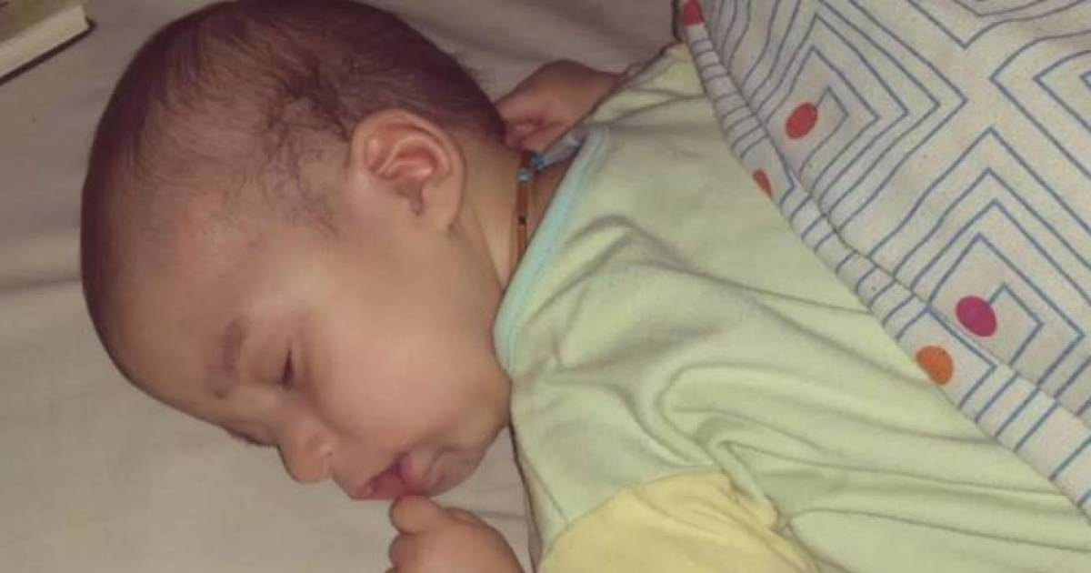 Toddler Suffers From A Rare Medical Condition And Can Only Survive On Fresh Peaches