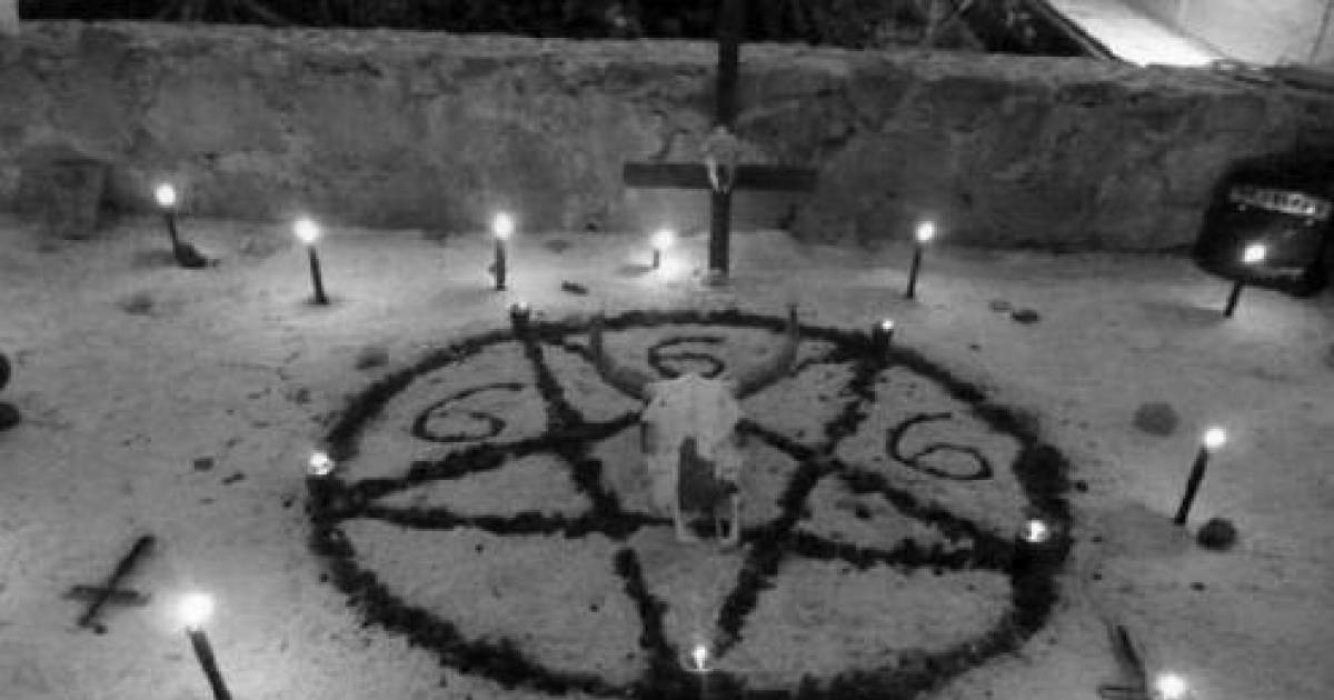 5 Ways To Summon Ghosts And Talk To The Dead