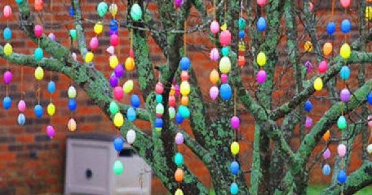 For Many, Shopping For Decorations Is Not Always Possible, So We Resort To  Making Our Own. Here Are Some Really Great Outdoor Easter Decorations That  You ...