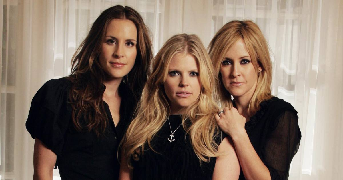 "Country Music Band The ""Dixie Chicks"" Gave A Statement 12 Years Ago That Almost Ended Their Career, Take A Look At The Full Story"