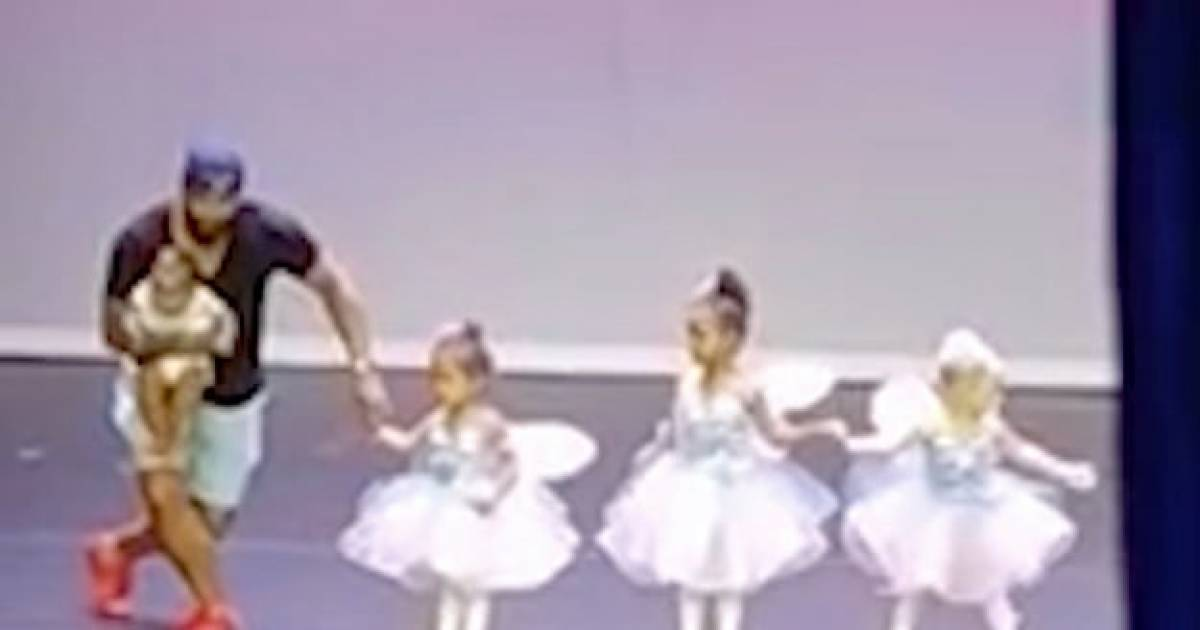 Super Dad Goes Viral After He Goes Up On Stage And Becomes A Ballerina To Help His Daughter Overcome Her Stage Fright