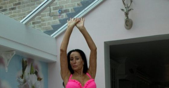 Meet The 58-Year-Old Grandmother With A Six-Pack, Who Says She Looks 35