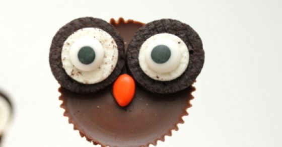 8 Scary Easy Halloween Cupcake Toppers That Will Make Your Mouth Water..