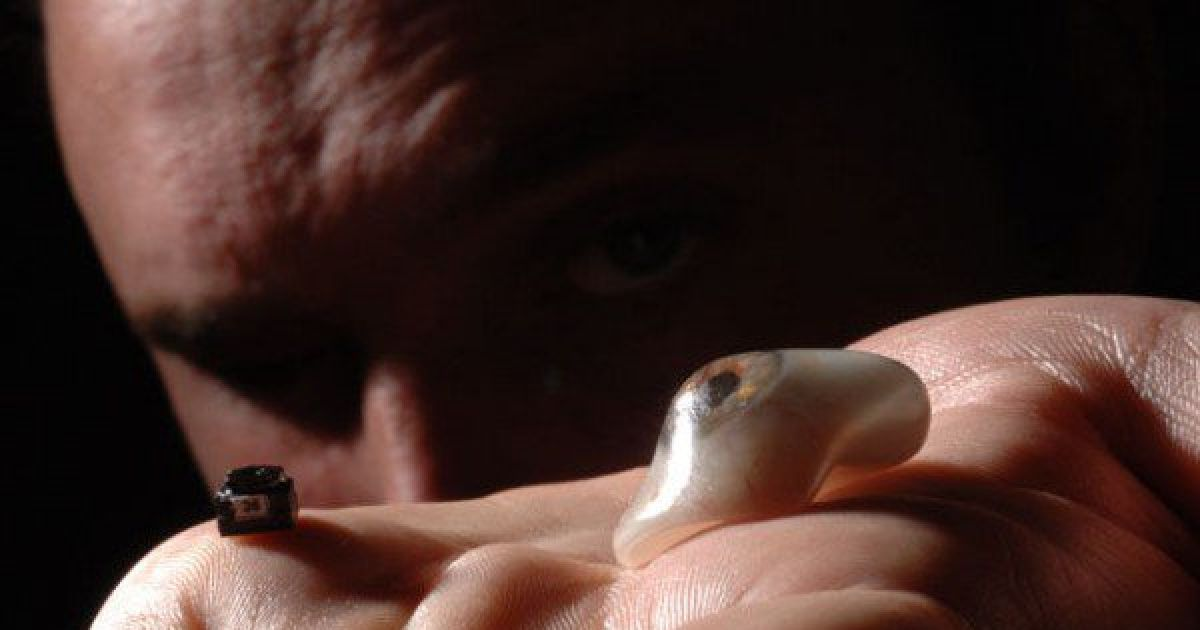 Bionic Filmmaker Replaces One of His Eyeballs with a Small Camera