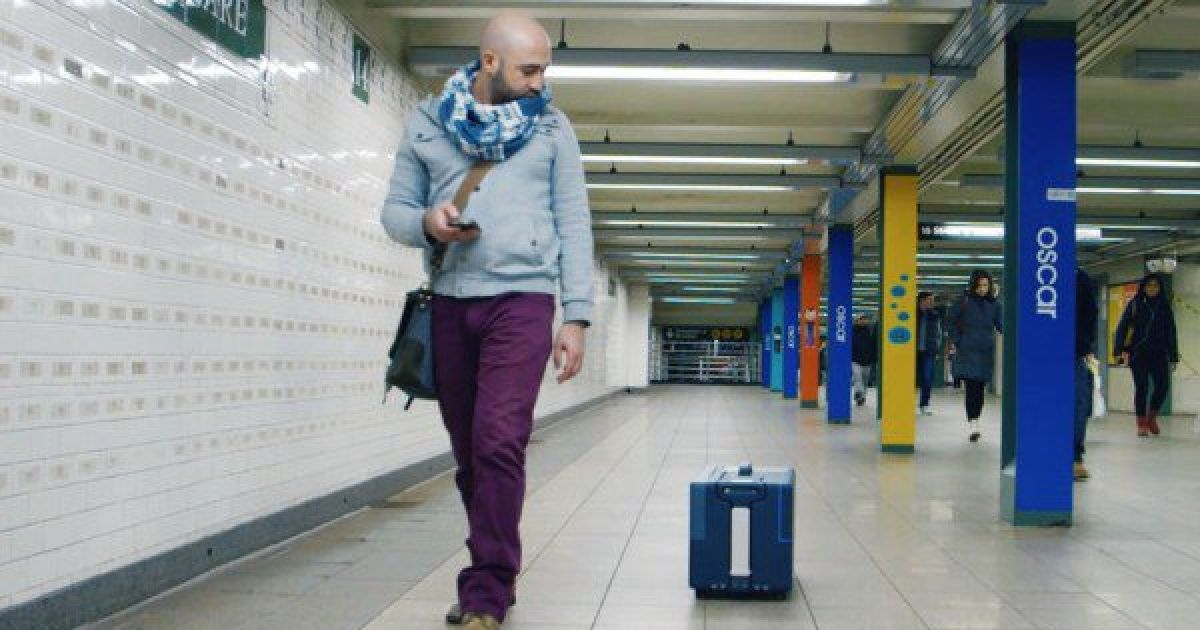 This High-Tech Travel Suitcase Follows You Around Like a Puppy