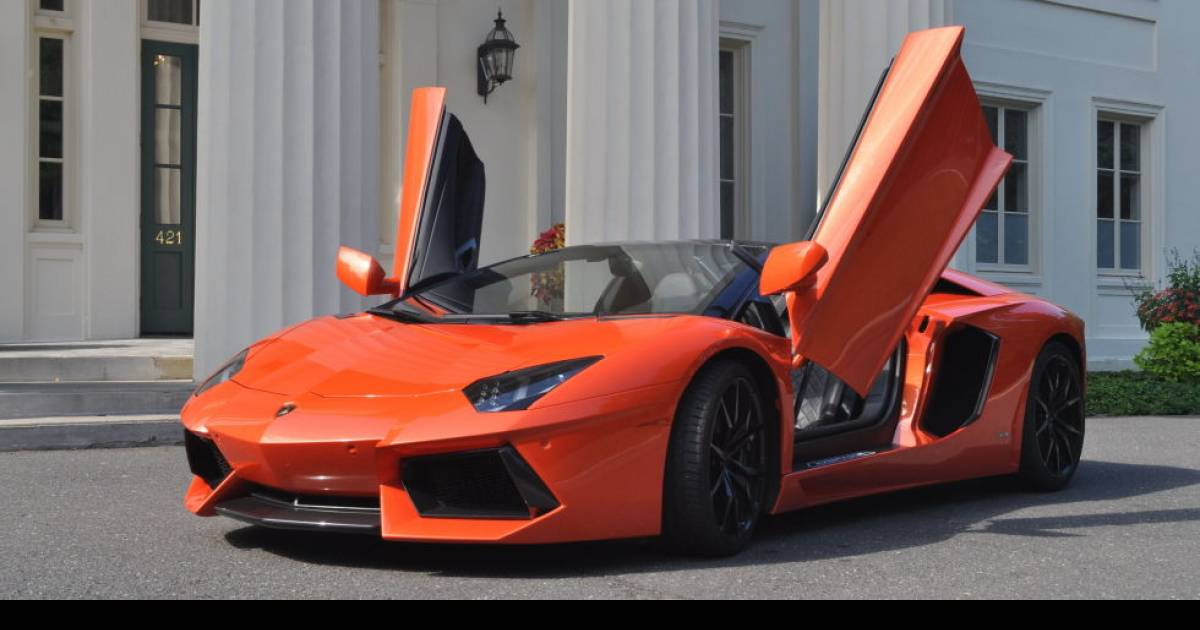 Things You Learn After Driving a Lamborghini Aventador LP 700-4 Roadster For a Week