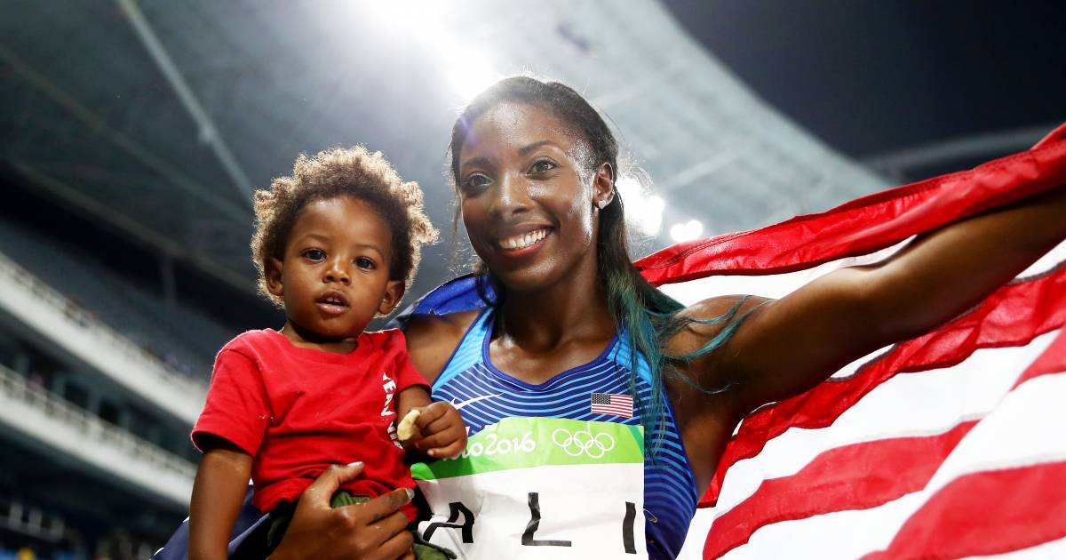 Good Job, Mom: 15 Adorable Pictures Of Olympians With Their Children
