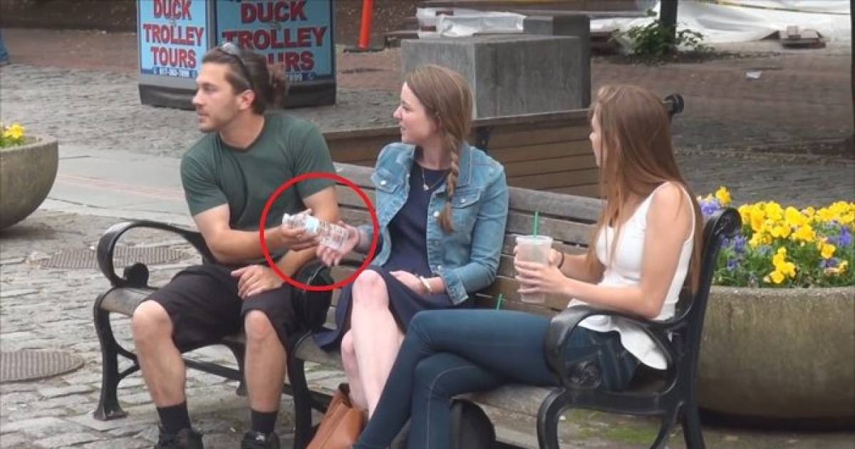 Prankster Handed Out Things To Strangers Without Them Noticing...And You Should Try It!