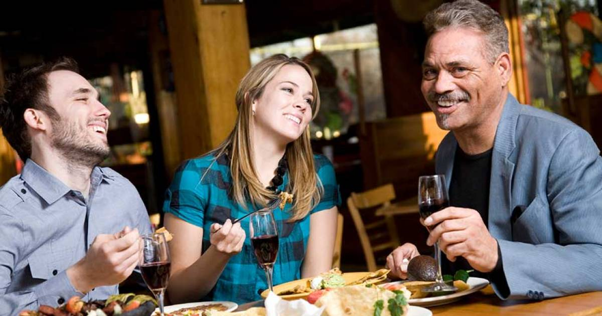 Dishes Famous Chefs Advise Against Ordering In Restaurants.
