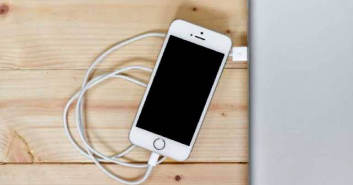 Apple Confirms: They Are Purposely Slowing Down Old iPhones