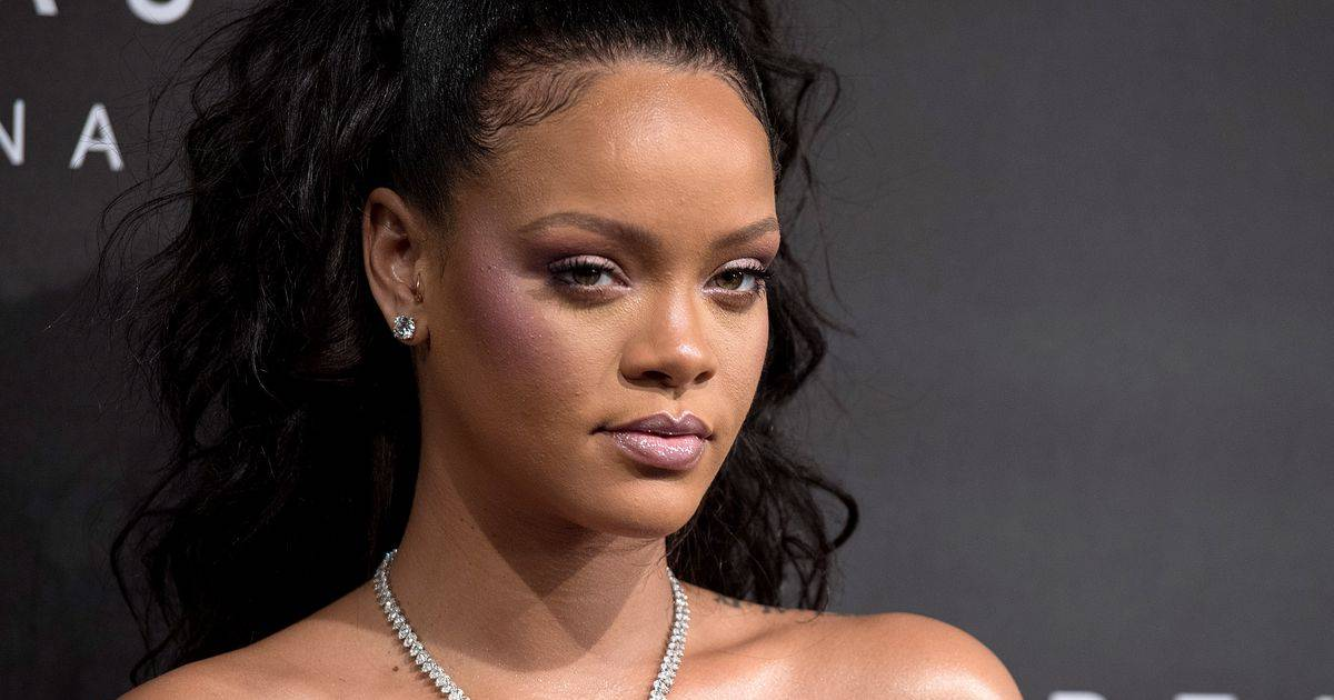 Snapchat Loses Half A Billion Dollars After Rihanna's Post