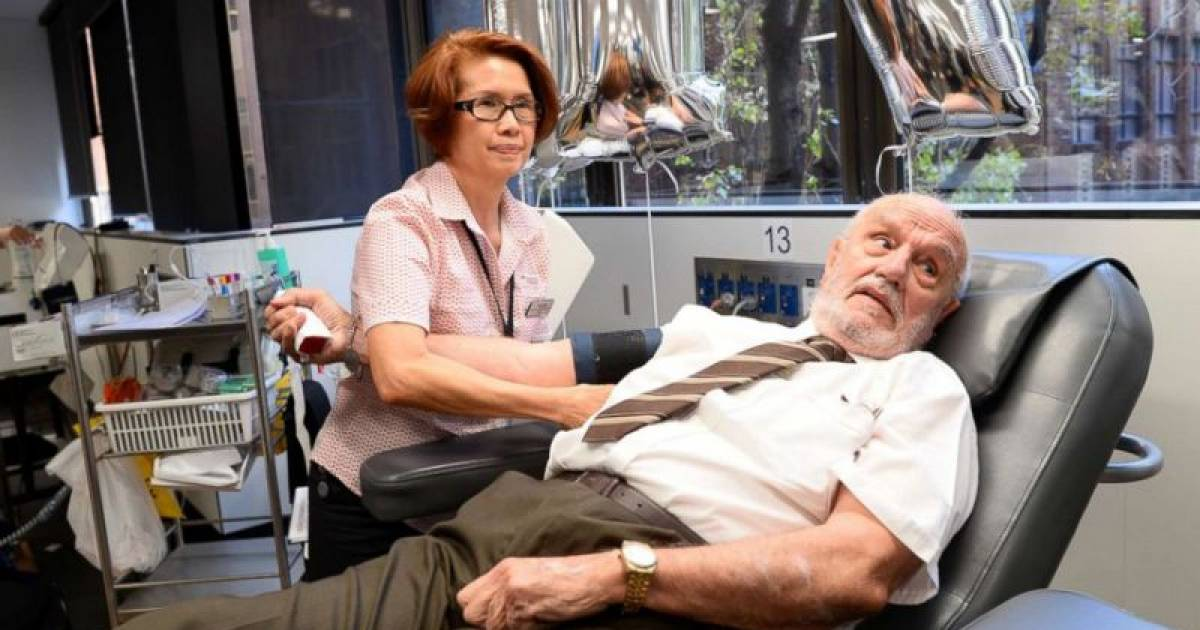 Man Whose Blood Plasma Saved 2.4 Million Babies And Has Donated Blood Thousands Of Times Makes His Last Donation