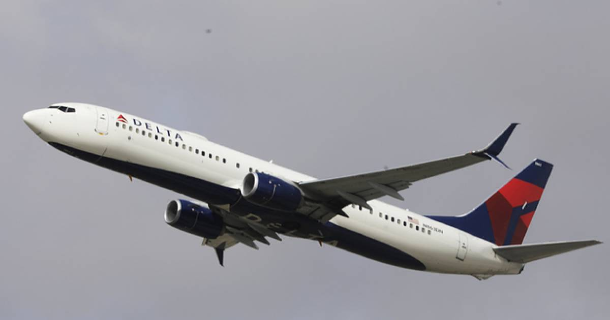 Delta Flight Forced To Turn Around After Two Passengers Refuse To Wear Face Masks