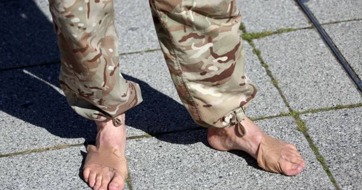 British Dad Walks 700 Miles Barefoot To Collect Money For Sick Daughter's Treatment