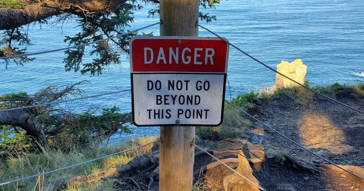 US Man Falls 100ft To Death While Posing For A Photo On Oregon Cliff