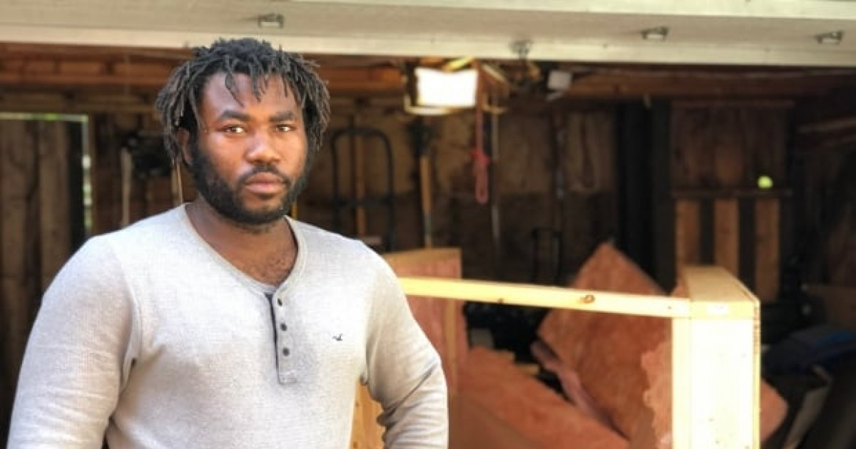 This Toronto Carpenter Is Building Insulated Mobile Homes For Homeless This Winter