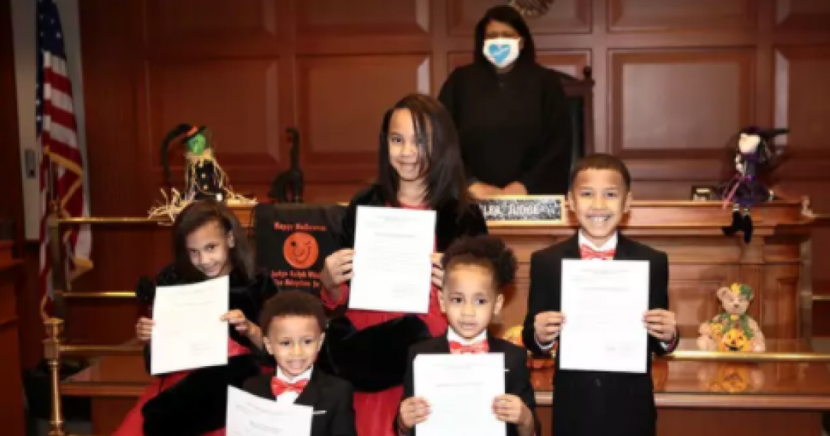 Man Who Was Separated From His Eight Siblings When He Was A Kid Adopts Five Siblings So That They Stay Together