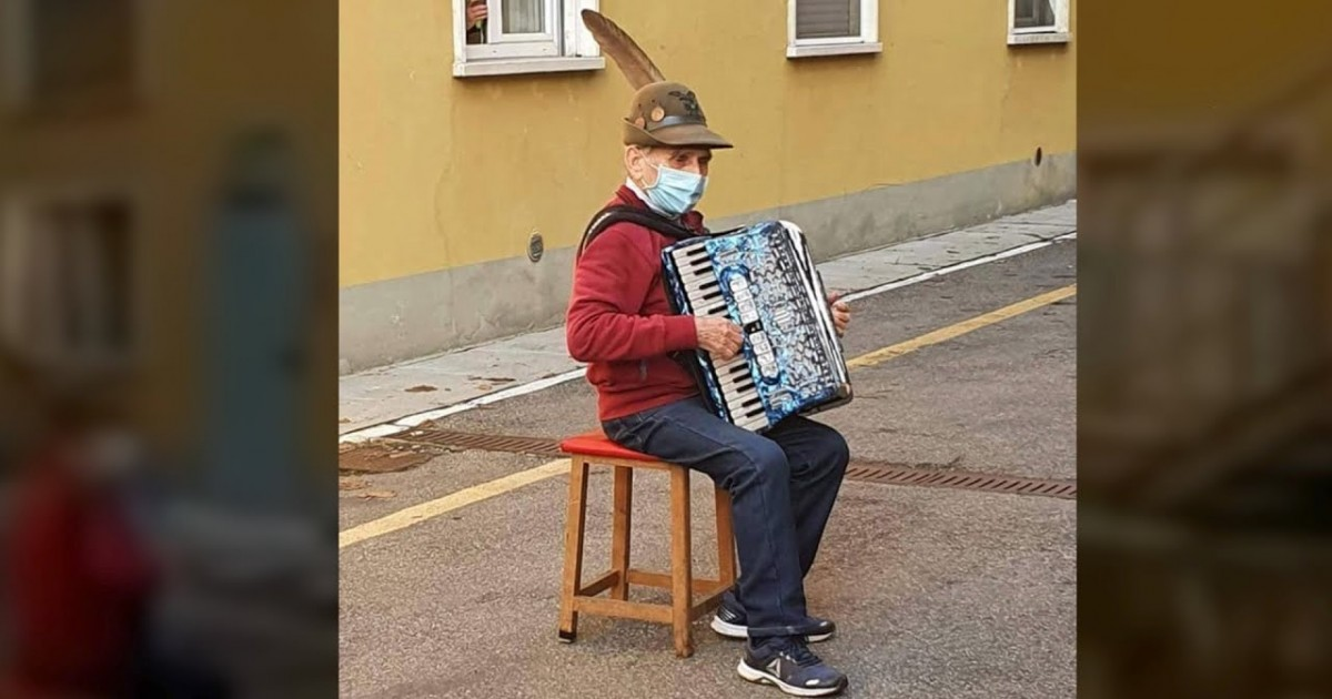 Viral Video Shows 81-Year Old Italian Man Playing Accordion To Wife Outside Her Hospital Room