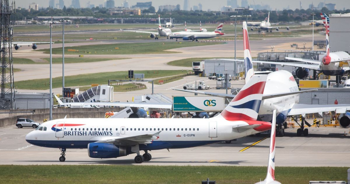 Police Halts The Flight On Heathrow Tarmac To Stop The Abduction Of A 4-Year-Old Girl