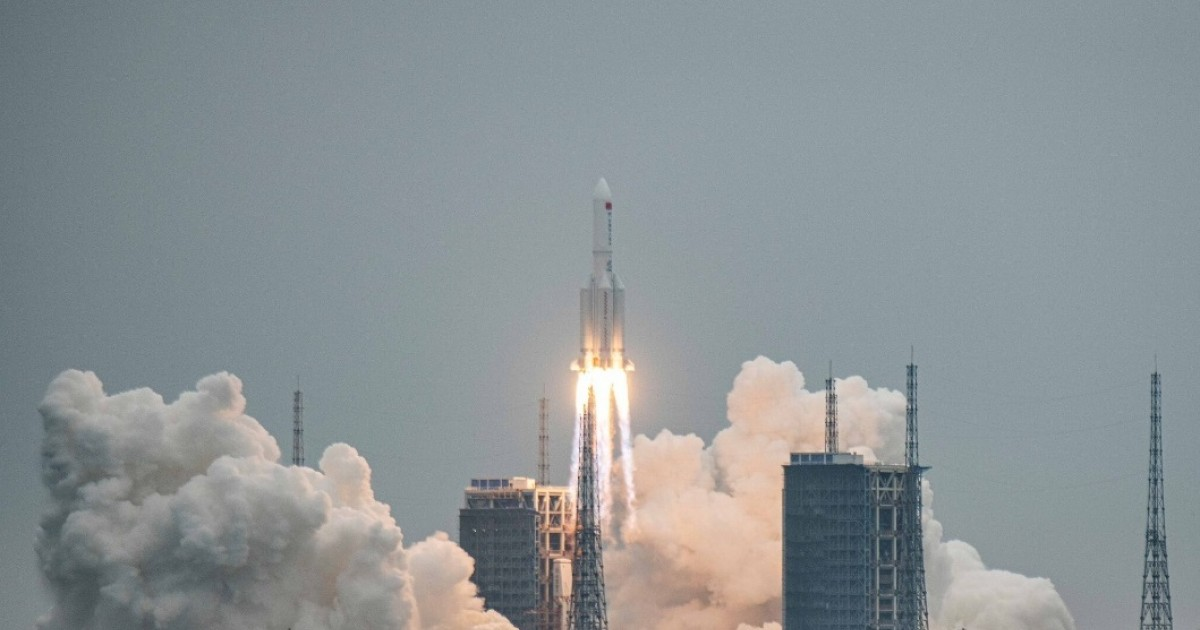 Debris of China's Out-Of-Control Rocket Falls Near Maldives
