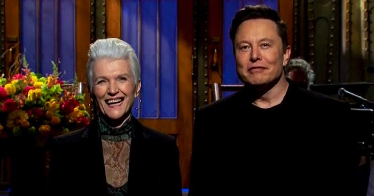 Elon Musk Reveals He Has Asperger's Syndrome While Hosting 'Saturday Night Live'
