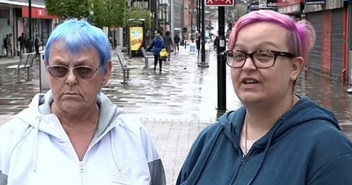 Woman Roasted After Lying To Reporter That She Won't Be Leaving Her House In Fear of Covid While Standing In Town Centre