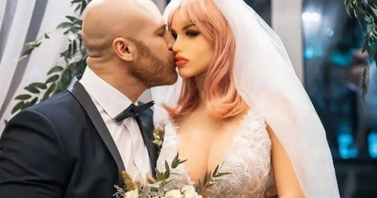 Bodybuilder Who Wed Two Sex Dolls Is Now Open To Dating Humans
