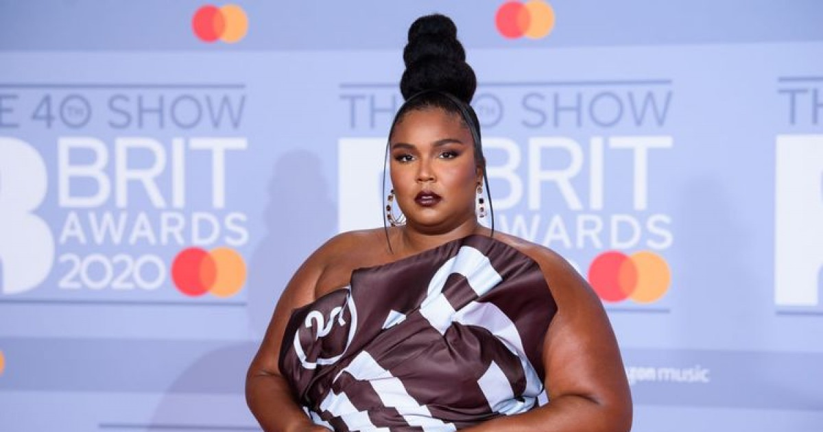 Singer Lizzo Gets Emotional In a Tiktok Video, Says She Feels Like a 'Burden on Everyone'