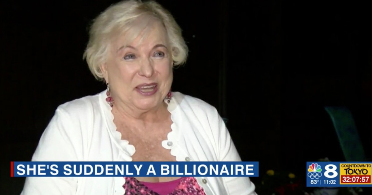 Florida Woman Goes To The ATM To Withdraw $20 Only To Find Almost $1B In Her Account