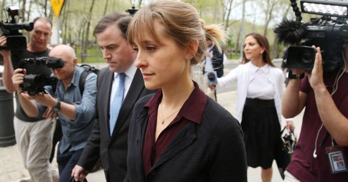 'Smallville' Actress Allison Mack Sentenced To Three Years For Role In NXIVM Sex Cult