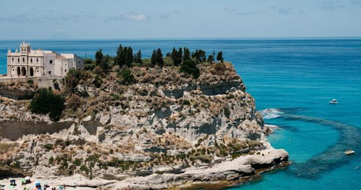 Villages In Southern Italy Offering Millenials $33,000 To Move There and Repopulate