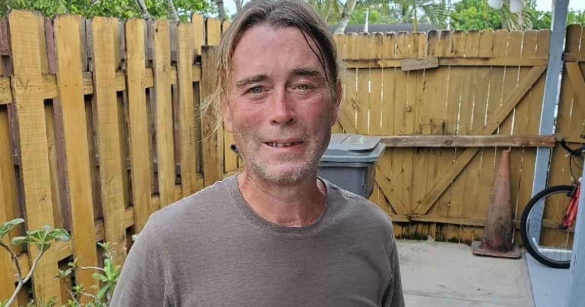 """""""Have Him Die Somewhere Else"""", Say Homeowners As Gardener Tries To Save A Person's Life"""
