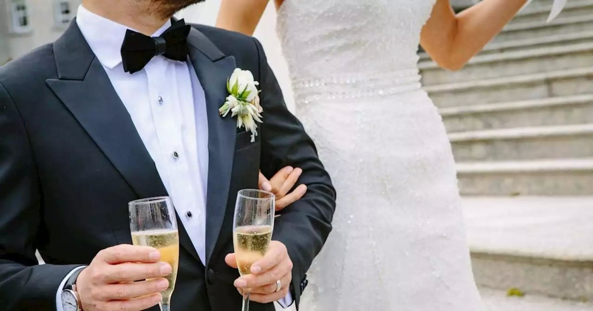 Best Man Asked To Leave The Wedding After Risky Joke Fails Terribly