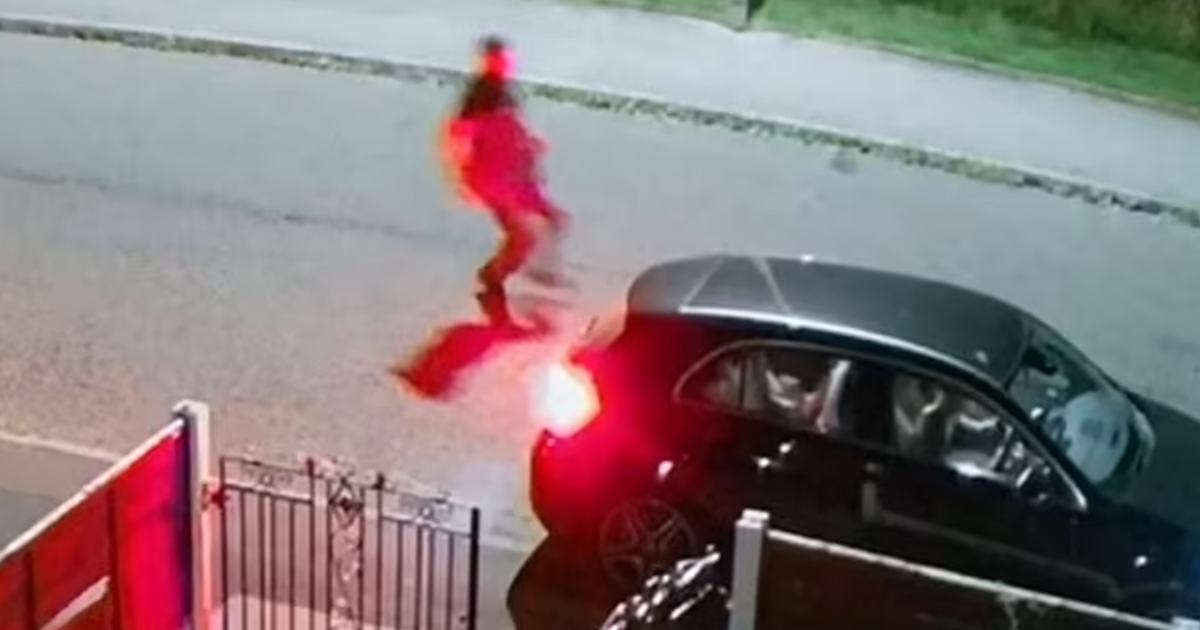 Dad Chases After Car As Thief Speeds Away With His Three Kids Still Inside