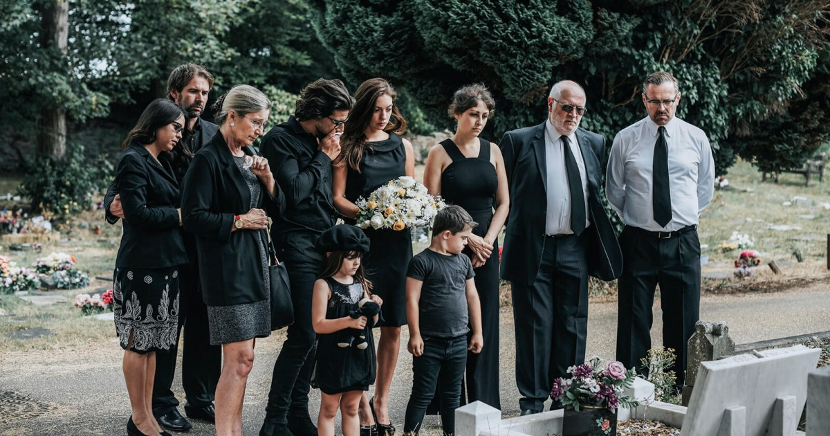 Mom Faces Criticism Over Husband's 'Inappropriate' Funeral Outfit